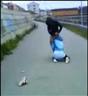 Grov vold filmet av overgriperne.. Foto: VG-TV.